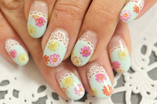 Vintage floral print nails from Nail Rouge.  Comment on this post at HARAJUJU.net Forums