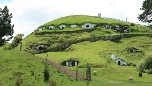 'Hobbit' filming starts after many delaysThe filming began Monday, ending years of delay due to funding problems and a labor dispute which nearly saw the project moved out of New Zealand.