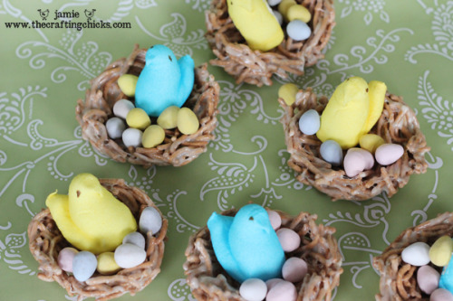 Sweet Easter Treat Ideas - DIY Project These cute little baskets full of eggs and peeps are so cute, and so simple to make!