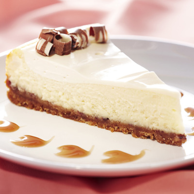 foodforjubilee:  Salted Caramel-Kissed Cheesecake « Nestlé Kitchens  I am a cheesecake lover~! it looks great!~ I also made a marble cheesecake~ check it out~!http://sarahww.wordpress.com/