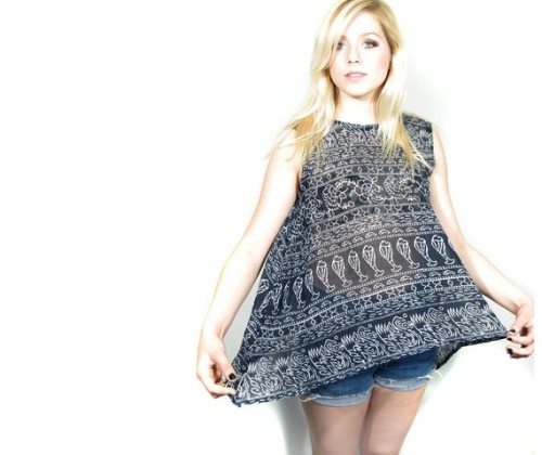 (via Handmade vintage print tank M/L by PrettyRaccoon on Etsy)