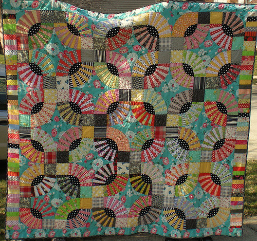 moderndayquilts:  The gypsies can kidnap me with kisses like these. Gypsy Kisses by Mary, featured on her blog, pattern from Material Obsession 2 by Kathy Doughty and Sarah Fielke.