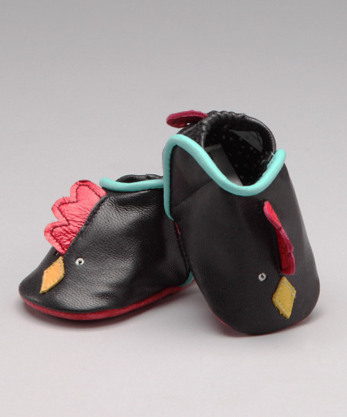 Ever heard of a rooster shoe? Now you have: babylunastar:  A rooster shoe? Are you kidding me? Just too, too adorable.
