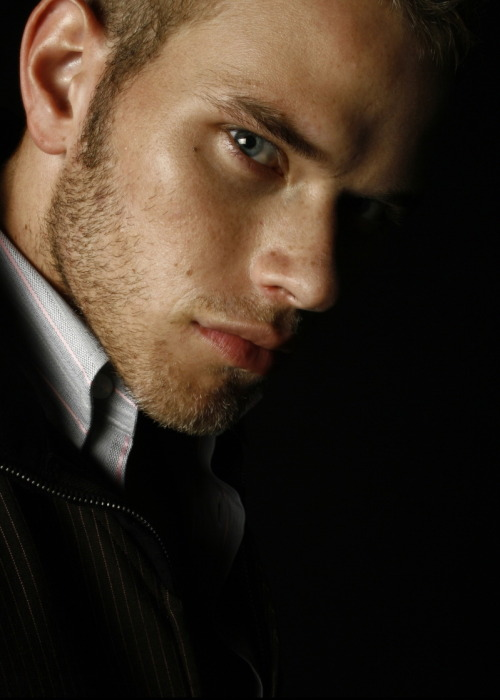 Beautiful Kellan.