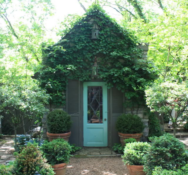 (via Inspiration for Outdoors Spaces) via hooked on houses