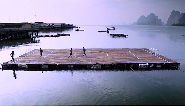 The floating field of the Panyee Football Club in Koh Panyee, Thailand (video)
