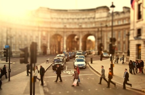 kari-shma:  (via Cities Tilt Shift Photographs By Ben Thomas)