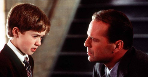 "DAY 07 - The Most Surprising Plot Twist or Ending. THE SIXTH SENSE ""I See Dead People…"""