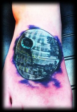 DEATHSTAR ON MAH FOOOT!!!