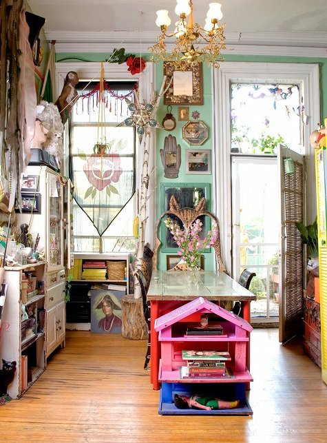 justbesplendid:  quirky and eclectic home (via)