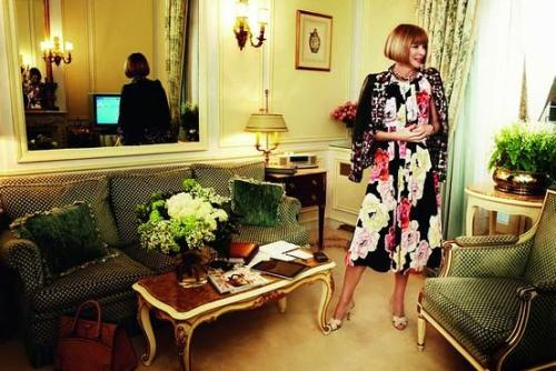 theblondejournal:  Anna Wintour photographed by Mario Testino. How I love them both.