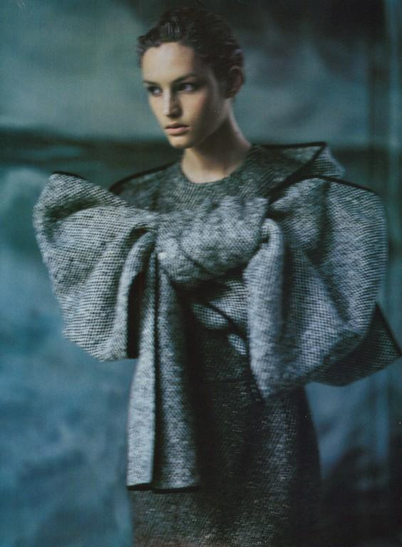 Vivien Solari photographed by Paolo Roversi - Vogue Italia: October 1999 - New Look Signs