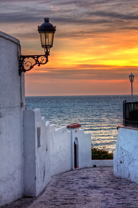 sunsurfer:  Sunset Lantern, Malaga, Spain  photo via magicspain