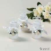 (via Wedding Bubble Bottles With Silver Bell Tie-Ons) $15 for 48 pieces