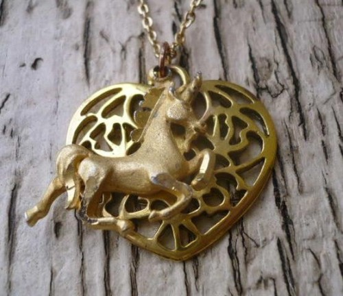 (via Vintage Unicorn and Heart NECKLACE I BELIEVE by transienttreasures)