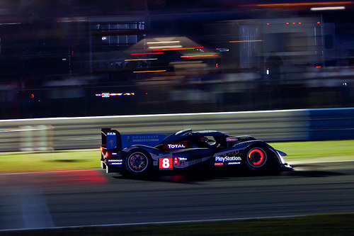 Like a christmas tree Starring: Peugeot 908 (by Neil_J)