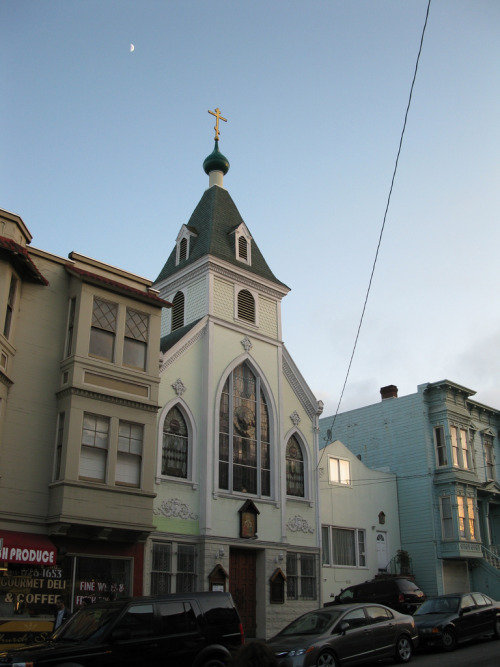 St. Nicholas Russian Orthodox Church 15th Street and Church Street, San Francisco (photo: Anomalous_A)