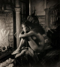 James Van Der Zee, Nude by Fireplace (1923) [via]
