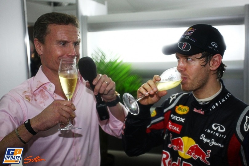 glass-balloon:  carlinvettel94:  Look at DC's face. xD  Bwahahahaha