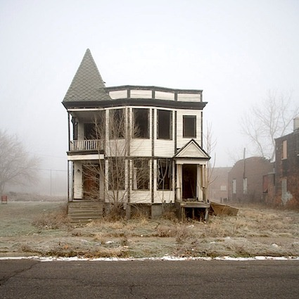urbanfoodproduction:  Bank of America to demolish 100 Detroit homes – will donate land  plots for urban farming