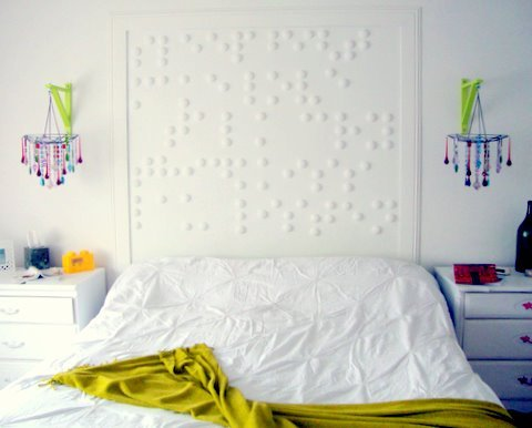 haus-therapy:  Braille message made with Styrofoam balls cut in half for an amazing headboard that doubles as wall art. So great! I don't know if I would've ever thought of this on my own, and now I ADORE this idea!