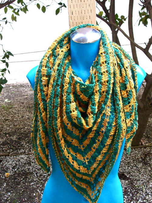 I was a test knitter for Roxanne from Zen Yarn Garden's shawl. It was an enjoyable knit.