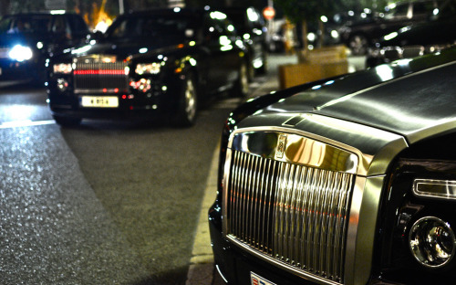 visualcocaine:  Rolls Royce Phantom & Rolls Royce Drophead. Casino Night.