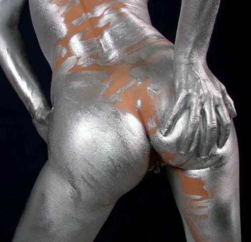 Silver body paint is futuristic.. right?