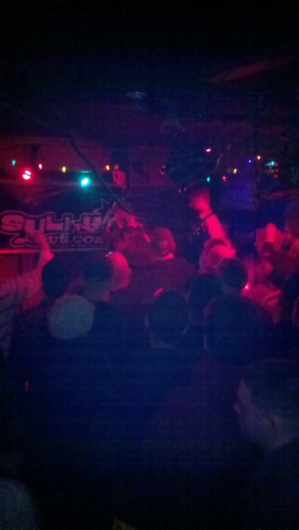 Rugged Man killed it last night! I've never seen Sully's so packed. Lots of good friends were in the house and my boy Stephen hooked it up, as always! It was a great show, I've always wanted to see RA perform and he didnt disappoint! Sorry for the crappy pic.