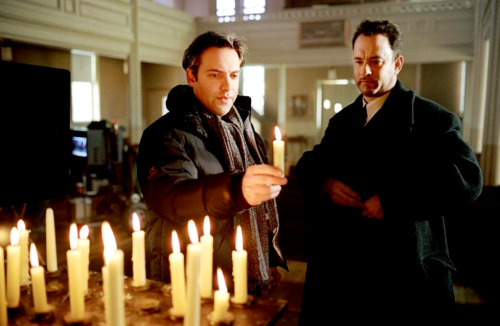 2831:  Sam Mendes and Tom Hanks on the set of Road to Perdition