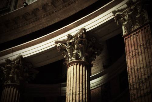 Columns inside the Pantheon (with Corinthian capitals!)