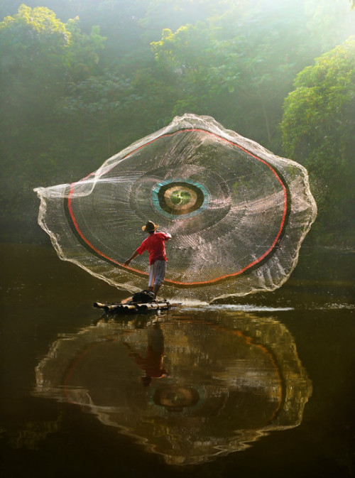 "nakamagome2:  ""Net and Reflection"" by Agah Permadi"