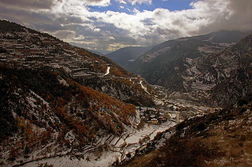 westeastsouthnorth:  Sant Julia, Andorra (by Andormix)