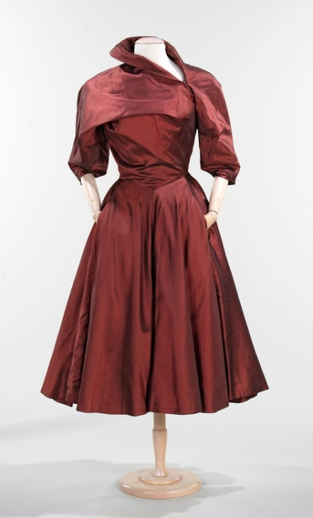 omgthatdress:  Charles James dress ca. 1950 via The Costume Institute of the Metropolitan Museum of Art
