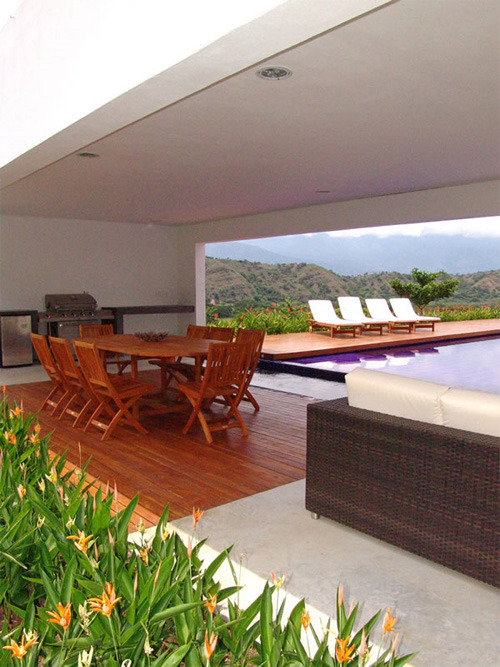 Lot 23 House, Holiday House Design by Juan Esteban Correa