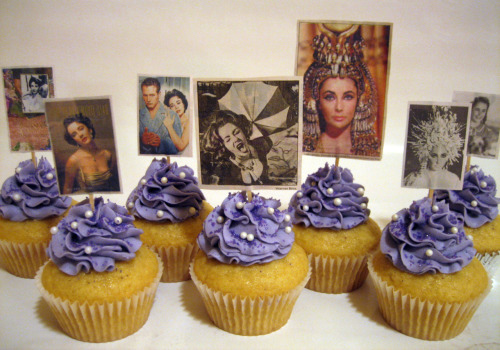 Elizabeth Taylor cupcakes by Sweet Elites vegan cupcakes in FRESNO (!?). How pretty are these? I'm going with SO PRETTY. A fitting tribute for the violet-eyed beauty. Did anyone else make Elizabeth Taylor-themed baked goods? No? SLACKERS! Yes? Let me see!