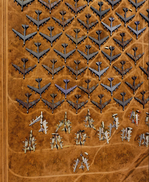 e4rleb1rd:  Aerial photograph B-52 Bone Yards by Alex S. MacLean.