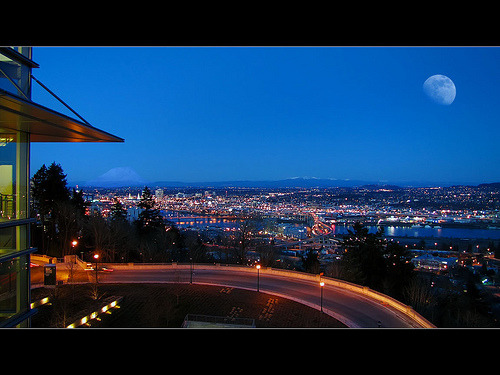 Night Scene - Portland Oregon - HDR (by David Gn Photography)
