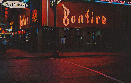Bonfire Restaurant - Portland, Oregon (by What Makes The Pie Shops Tick?)