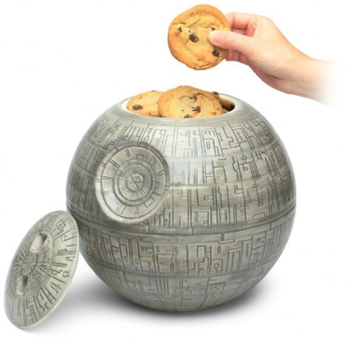 mbisteni:   Wishlist: Death Star Cookie Jar   You could buy it for me here: http://goo.gl/KAZZT (@ThinkGeek.com)