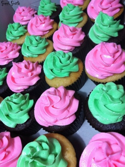 Green and Pink Giveaways … Chocolate and Vanilla Cupcakes with Vanilla Buttercream Icing!