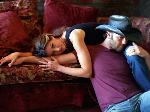 Tim McGraw and Faith Hill, OBSESSED with this couple <3 I want something like theirs.