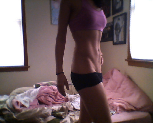 "skinnyhealth:  I'm enjoying the looks of my stomach today. A lot. See ya ED.  You lose again.  Look at those abs! That ""v"" ! Gosh. Hello inspiration."