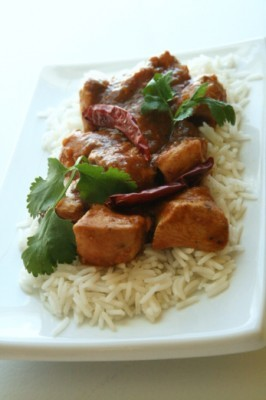 Must remember to try this slow cooker Coconut Chicken Curry. (via Salt & Paprika)