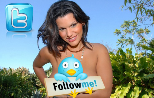 Follow me on TWITTER: @AngelinaMundo
