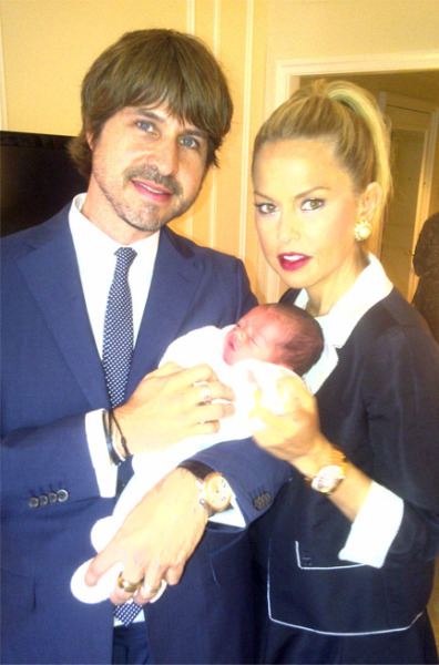 @RZRachelZoe & husband @rbermanus showed off baby Skyler via twitter this afternoon.  Wow everyone looks great… Congratulations again Rachel & Roger! @MsDotalot