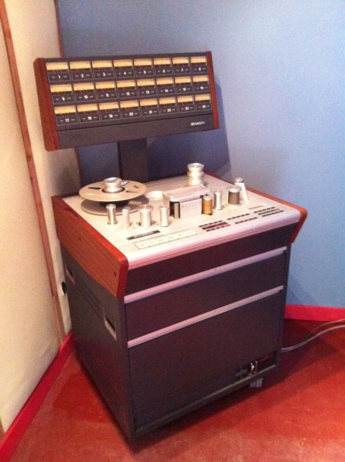 Studer 827A w/ remote and 1317 hours.