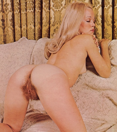 Vintage hairy nude girls group