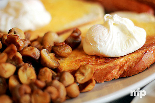 ffoodd:  Mushrooms, toast and poached eggs