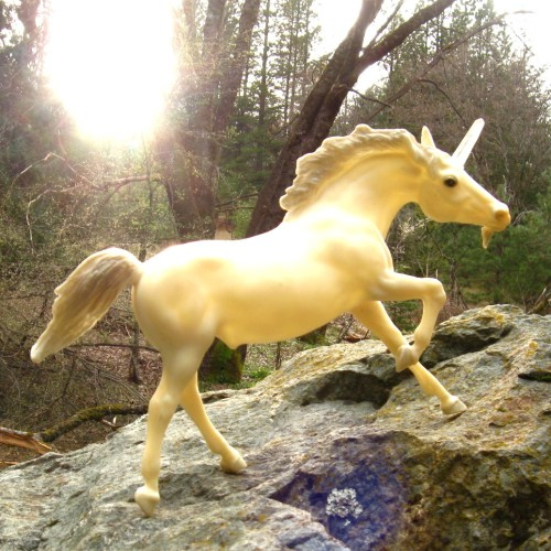 (via Handmade A MAGICAL UNIVERSE Unicorn With Quartz by AstralBoutique)